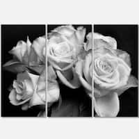 Designart - Bunch of Roses Black and White - Floral Glossy Metal Wall Art