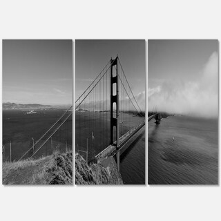 Designart - Golden Gate Bridge in Gray Panorama - Sea Bridge Glossy Metal Wall Art