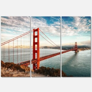 Designart - Golden Gate Bridge in San Francisco - Sea Bridge Glossy Metal Wall Art
