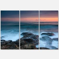 Designart - Rocky Beach and White Waves - Large Seashore Glossy Metal Wall Art - 36 x 28