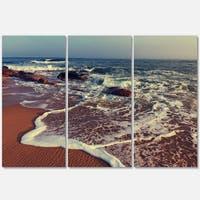 Designart - Foaming Waves Kissing Wide Beach - Large Seashore Glossy Metal Wall Art