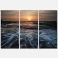 Designart - Dark Seashore with Rushing Waves - Modern Beach Glossy Metal Wall Art