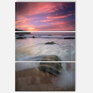 Designart - Beautiful Guincho Beach in Portugal - Contemporary Seascape Glossy Metal Wall Art