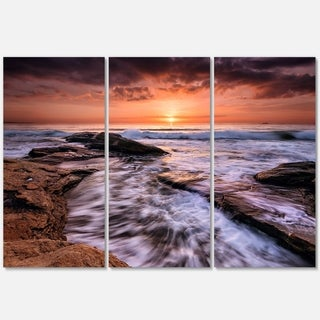 Designart - Waves Hitting Rocky Beach Burgas Bay - Contemporary Seascape Glossy Metal Wall Art