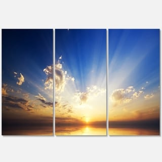 Designart - Sunset in the Ocean Blue Sky Panorama - Contemporary Seascape Glossy Metal Wall Art