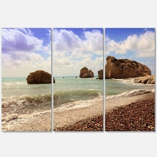 Designart - Amazing Aphrodite's Rock in Cyprus - Extra Large Seascape Glossy Metal Wall Art