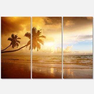 Designart - Beautiful Palms at the Caribbean Beach - Extra Large Seascape Glossy Metal Wall Art