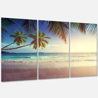 Designart - Typical Sunset on Seychelles Beach - Extra Large Seascape Glossy Metal Wall Art