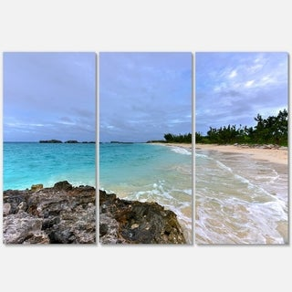 Designart - Clearwater Beach Bermuda - Oversized Beach Glossy Metal Wall Art