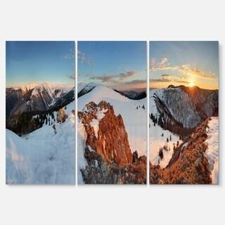 Designart - Slovakia Frozen Landscape Panorama - Landscape Glossy Metal Wall Art