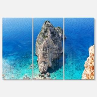 Designart - Zakynthos Beautiful Rocky Coast - Extra Large Seashore Glossy Metal Wall Art