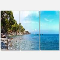 Designart - Wild Blue Beach Panorama View - Extra Large Seashore Glossy Metal Wall Art