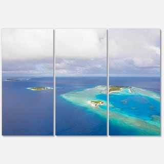 Designart - Aerial View of Maldives Island - Modern Seascape Glossy Metal Wall Art