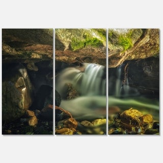 Designart - Wasatch National Forest Waterfall - Landscape Glossy Metal Wall Art