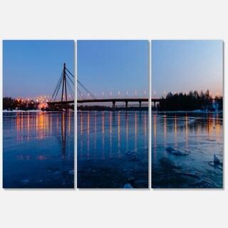 Designart - Moscow Bridge in Kiev Panorama - Cityscape Glossy Metal Wall Art
