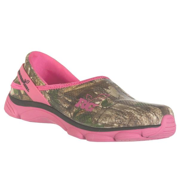 4c94e93a495f7 Shop Realtree Outfitters Women's Lola Pink/Green Camo Slip-on Shoes ...