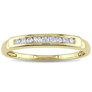 1/5ct TDW Round and Princess-Cut Channel Set Diamond Anniversary Band in 14k Yellow Gold