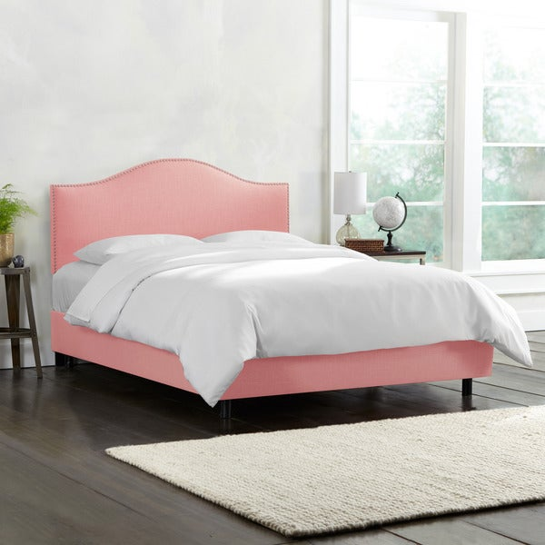Skyline Furniture Linen Petal Nail Button Bed