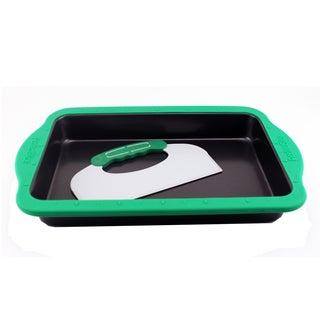 PerfectSlice 9-inch x 13-inch Cake Pan With Slicing Tool and Silicone Sleeve