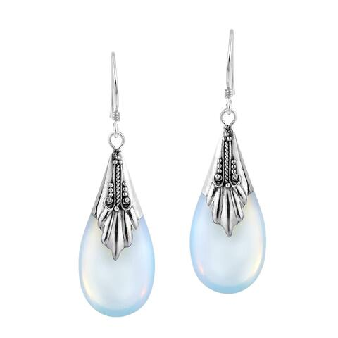 Handmade Teardrop Moonstone Sterling Silver Dangle Earings (Thailand) - White