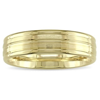 Men's Comfort-Fit Wedding Band in 14k Yellow Gold by The Miadora Signature Collection