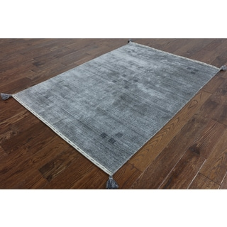 Hand-Knotted Oriental Persian Gabbehh Grey wool Rug (4' 5 x 6' 2)