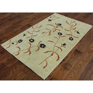 Hand-Knotted Traditional Chobi Ivory wool Rug (3' 2 x 4' 10)