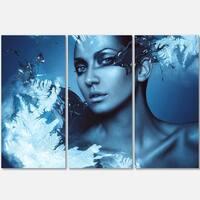 Woman with Snow Splash - Art Portrait Glossy Alumimium 36Wx28H