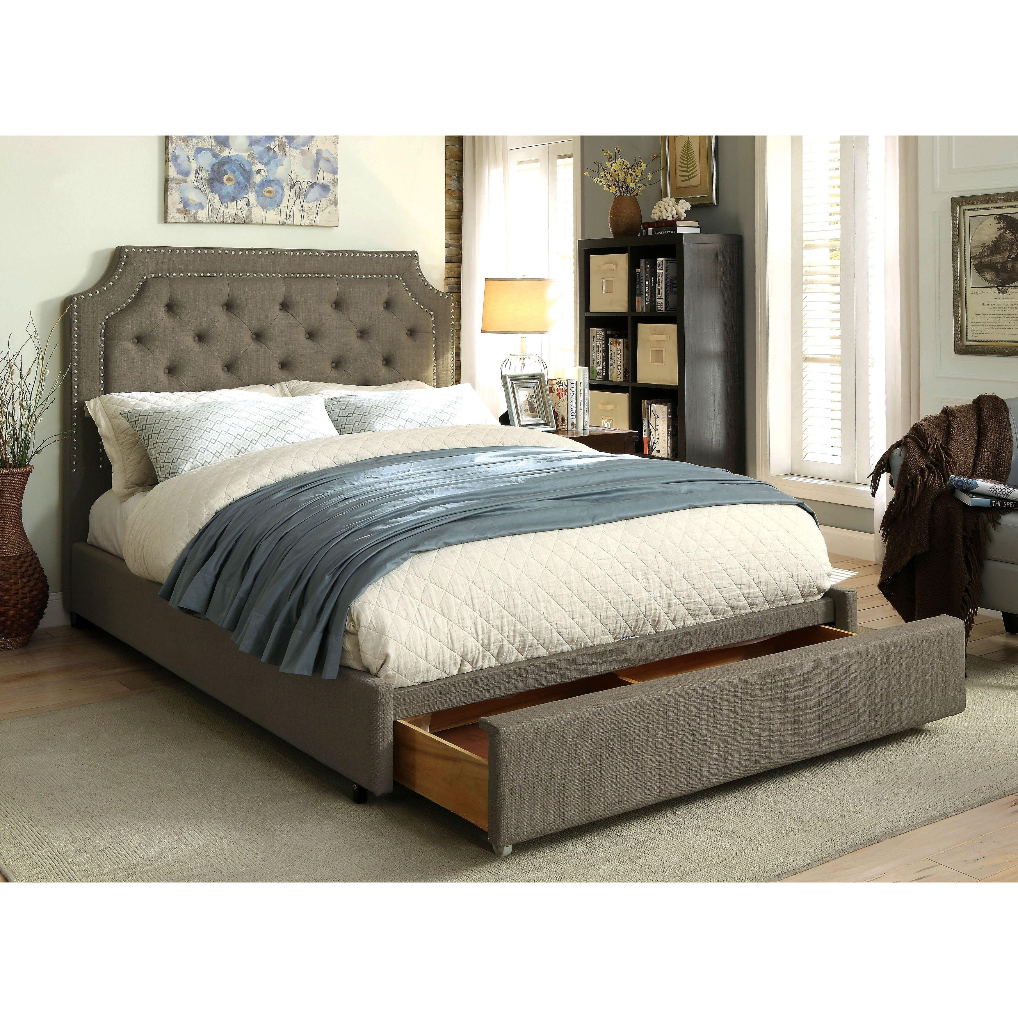 Furniture of America Fraiser Contemporary Grey Tufted Lin...