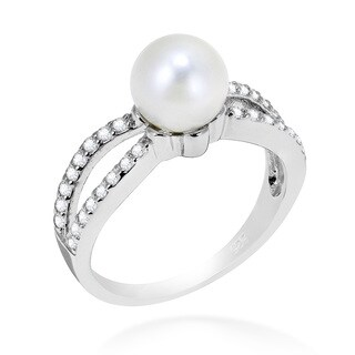 Handmade Elegant Pearl Cubic Zirconia Facets .925 Sterling Silver Ring (Thailand)