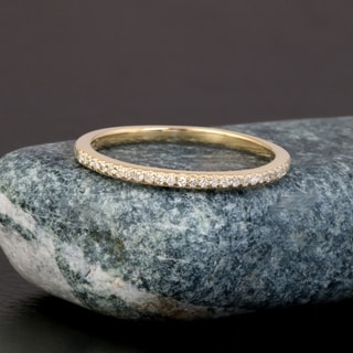 De Couer 10k Yellow Gold 1/10ct TDW Wedding Band (H-I, I2)