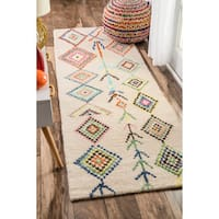The Curated Nomad Escolta Hand-tufted Wool Moroccan Triangle Beige Runner Rug (2'6 x 12')