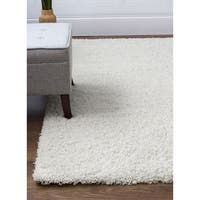 Feels So Soft Solid Shag Machine-woven Rug (2' x 3')