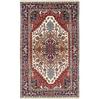 eCarpetGallery Serapi Heritage Ivory, Red Wool Hand-Knotted Rug (4'9 x 7'10)