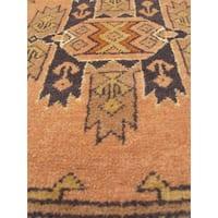 eCarpetGallery Shiravan Bokhara Ivory Wool Hand-knotted Rug (4'0 x 5'7)