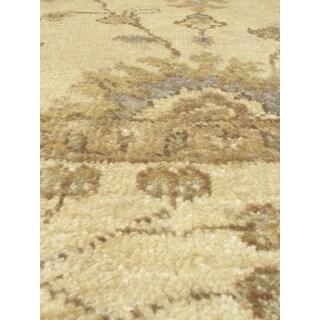 eCarpetGallery Royal Ushak Yellow Hand-knotted Wool/Cotton Rug (4' x 6')