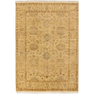 eCarpetGallery Royal Ushak Ivory-colored Wool/Cotton Hand-knotted Rug (4'9 x 6'9)