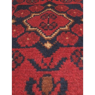 eCarpetGallery Khal Mohammadi Black/Red Wool Finest Hand-knotted Rug (1'8 x 4'10)