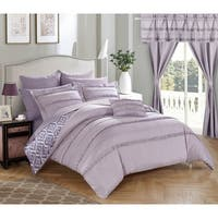 Oliver & James Viola Lavender 20-piece Room in a Bag Comforter Set