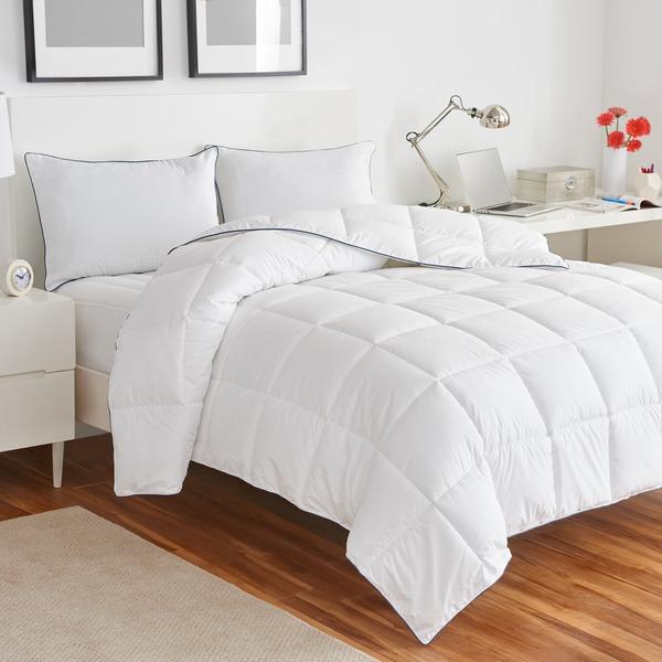 IZOD Anti-Allergen/Anti-Microbial White Down Alternative Comforter