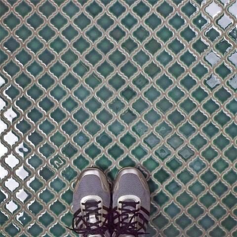 SomerTile 12.375x12.5-inch Antaeus Emerald Porcelain Mosaic Floor and Wall Tile (10 tiles/10.7 sqft.)