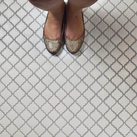 SomerTile 12.375x12.5-inch Antaeus Scholar White Porcelain Mosaic Floor and Wall Tile