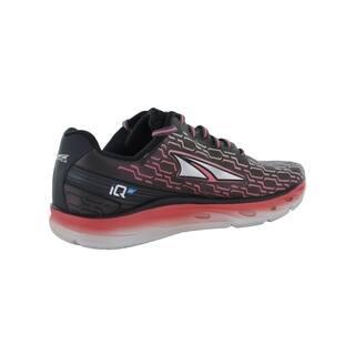 Women's Altra Footwear IQ Running Shoe Black/Sugar Coral