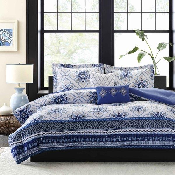 Intelligent Design Nicole Blue Microfiber Printed Comforter Set