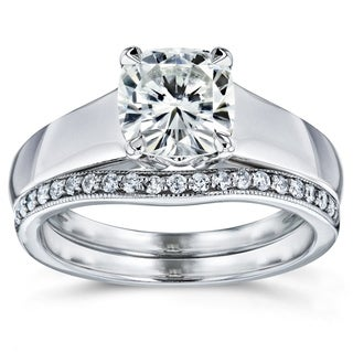 Annello 14k White Gold Cushion Cut Moissanite Solitaire and 1/6ct TDW Diamond Band Bridal Set (G-H, I1-I2)