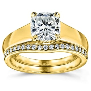 Annello 14k Yellow Gold Cushion Cut Moissanite Solitaire and 1/6ct TDW Diamond Band Bridal Set (G-H, I1-I2)
