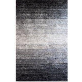 Isaac Black/White/Grey Synthetic Woven Shag Area Rug (5' x 8')