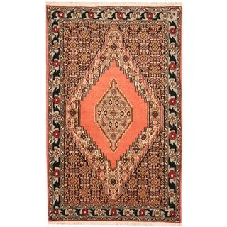 Herat Oriental Persian Hand-knotted Senneh Wool Rug (2'6 x 4')