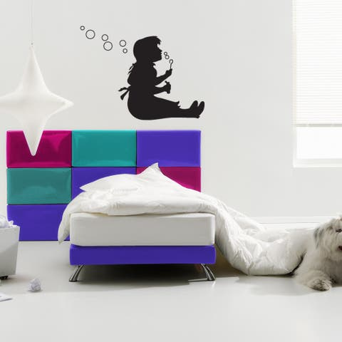 'Bubble Girl' Solid-colored Vinyl Wall Decal