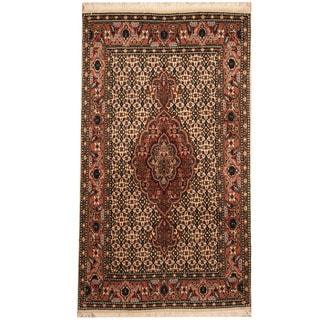 Herat Oriental Persian Hand-knotted Tribal Tabriz Wool Rug (2'6 x 4'4)